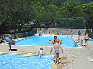 Camping des tourelles at embrun serre poncon lake france for Piscine embrun
